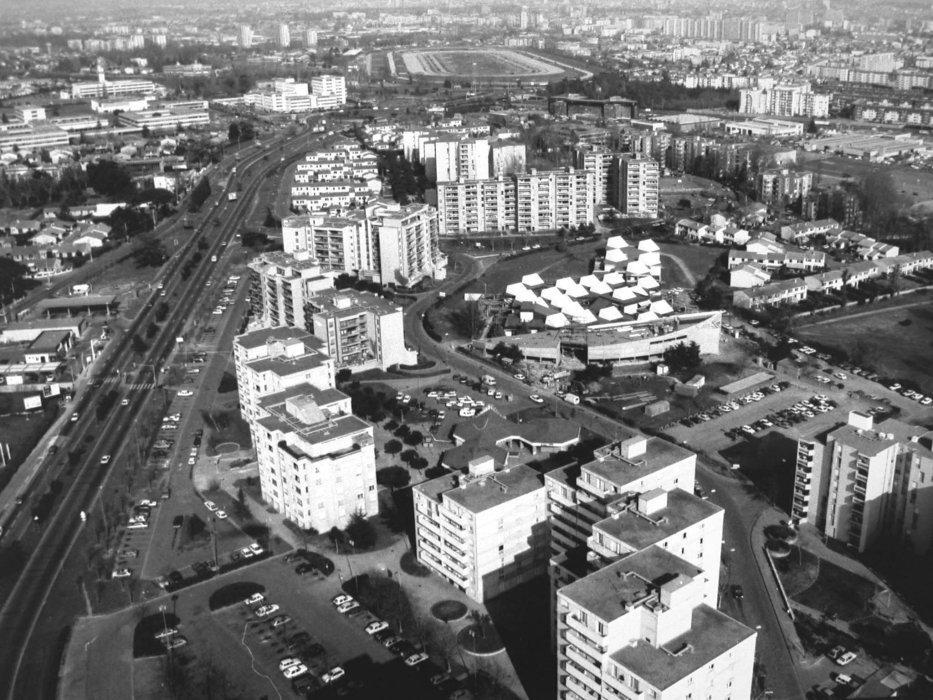 Vue aérienne Ecole et quartier du Mirail