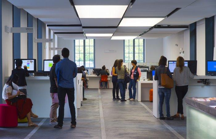 accueil welcome desk université Toulouse