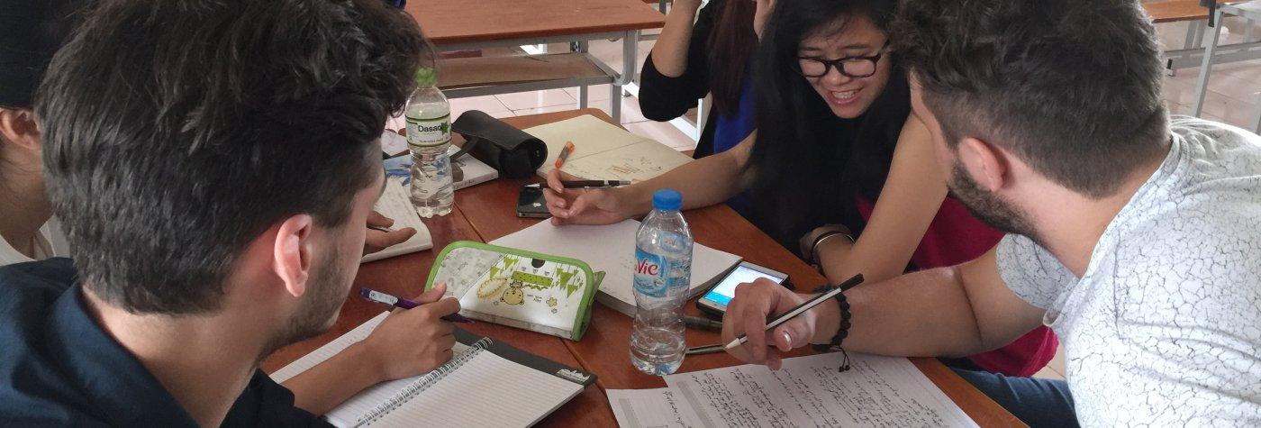 Etudiants français et vietnamiens DPEA Hanoï